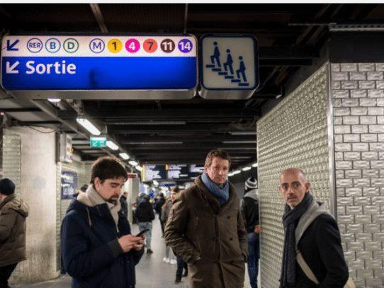 La Semana de la Moda de París llegó hasta el metro con un desfile en hora punta