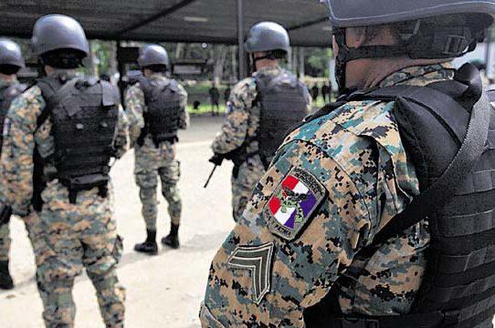 Suspenden compra de uniformes y demás implementos de seguridad al Senafront