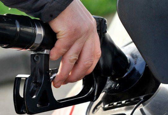 Leve disminución registrarán los precios del combustible este viernes 13 de octubre