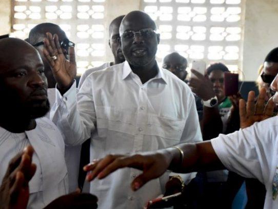 Leyenda futbolística George Weah, a segunda ronda de presidencial liberiana