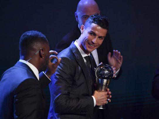 Cristiano Ronaldo se hace con el premio 'FIFA Best' al mejor jugador del año