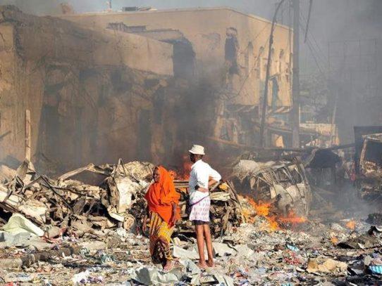 Más de 200 muertos en atentado de Somalia, el mayor de su historia