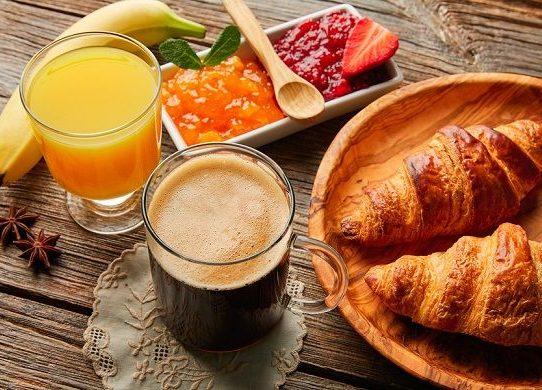 Omitir el desayuno duplica el riesgo de arteriosclerosis, según estudio