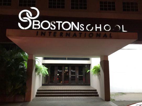 Boston School desobedece orden del Meduca de reintegrar estudiantes