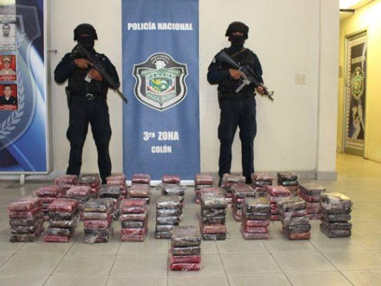 En Colón se decomisaron más de 100 paquetes de drogas tras operativo