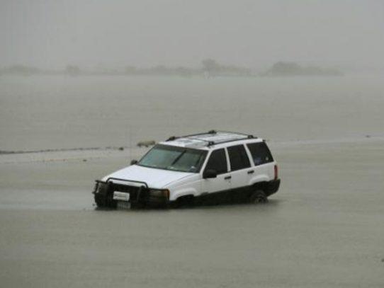 Los huracanes dispararon las ventas de autos en EEUU