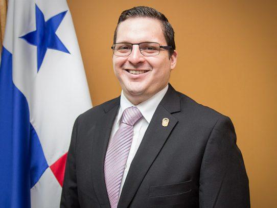 Carlos Rubio asume como ministro encargado de Gobierno