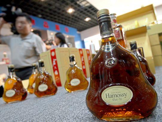 Una sociedad china promete alcohol para toda la vida por USD 1.700