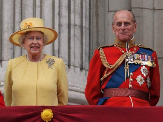 Isabel II y el príncipe Felipe festejan su 70º aniversario de boda