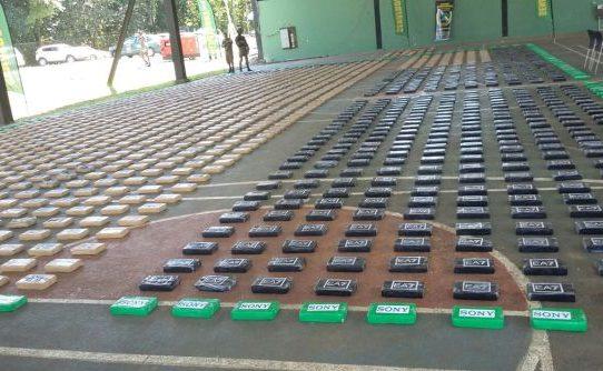 Hallan en Darién 1,941 paquetes de cocaína y 61 de marihuana