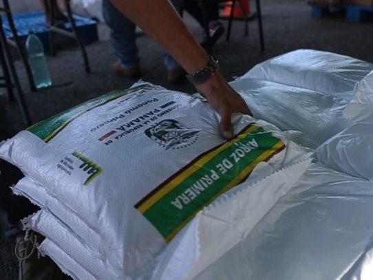 IMA investigará denuncia de sacos de arroz botados en Veraguas