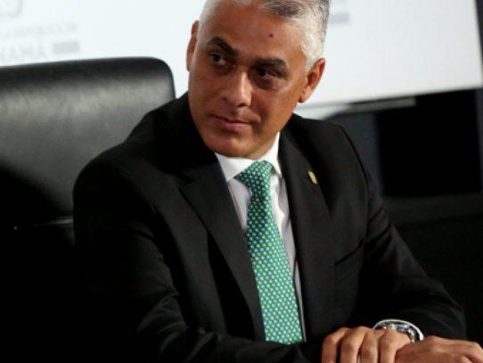Jorge Luis González abandona aspiraciones en el Panameñista