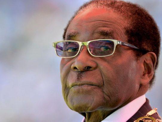 Renuncia el presidente de Simbabue Robert Mugabe