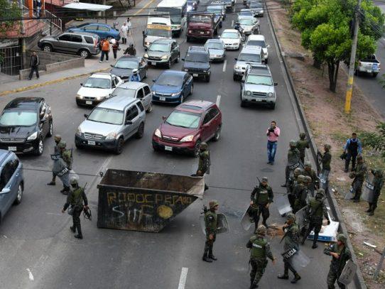 """Desalojan rutas bloquedas en protesta por """"fraude"""" en Honduras"""