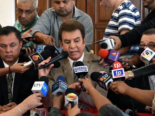 Candidato opositor hondureño anuncia que desiste de lucha electoral