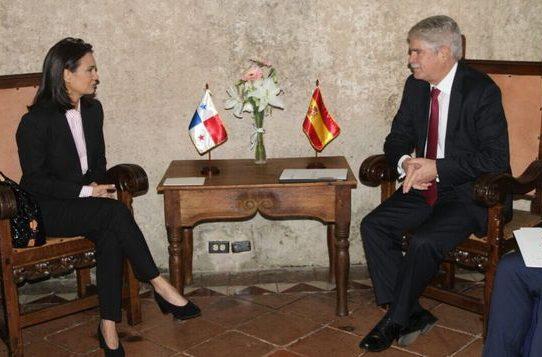 Panamá inicia diálogo con países de la UE por inclusión en lista negra