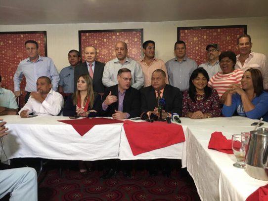 16 diputados de la bancada del PRD fueron reelectos en primarias