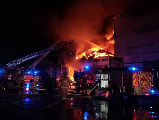Incendio consume bodega en France Field, Zona Libre de Colón