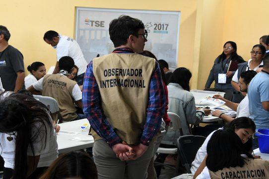OEA mantiene dudas sobre el ganador de las elecciones hondureñas