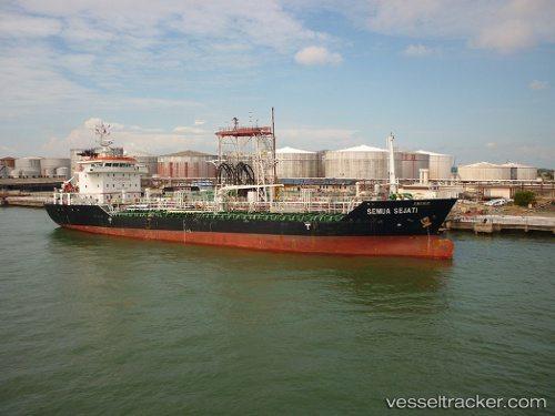Retenido un petrolero con bandera panameña en Corea del Sur por traficar con el Norte
