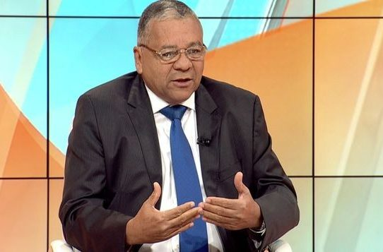 Diputado Muñoz se enfila en 'alianza' de Gobierno y anuncia voto a favor de magistradas