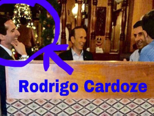 Foto que simula almuerzo entre Rómulo Roux e Iván Zarak es falsa