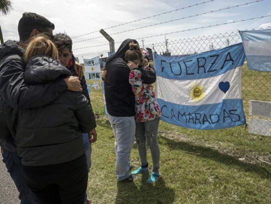 """Investigan """"contacto"""" a 477 metros de profundidad en busca de submarino argentino"""