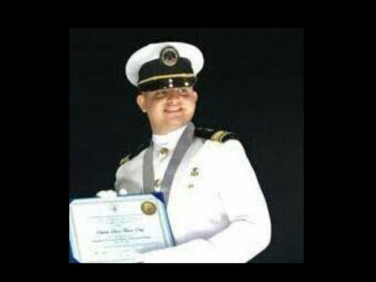 Graduado con los máximos honores en la UMIP