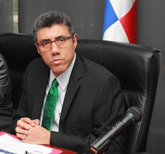 Director de la DGI recibió bono de $36 mil
