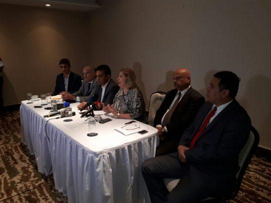 Candidatos independientes se comprometen a no aliarse a partidos