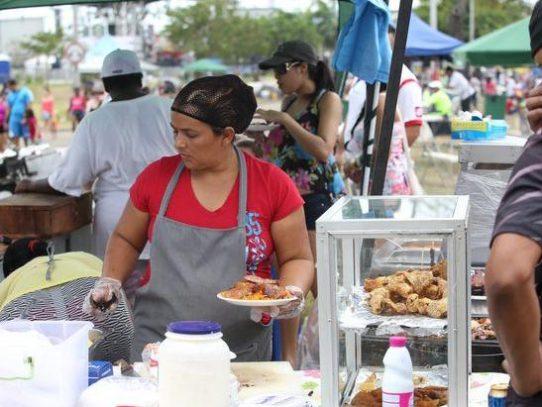 Anuncian período de inscripción para puestos de venta de comida durante el Carnaval