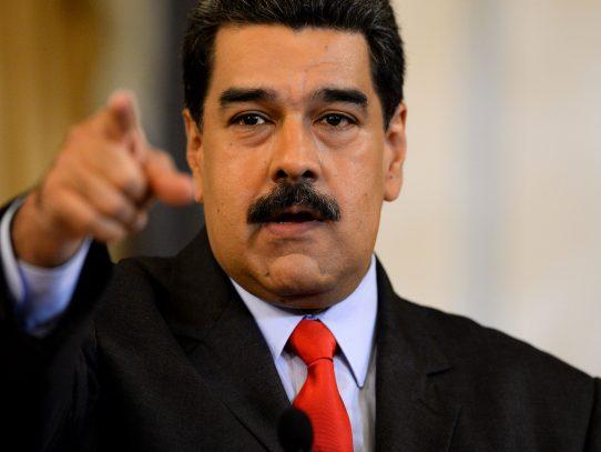 Panamá retira credenciales a allegados al régimen de Nicolás Maduro