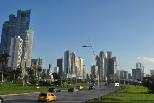 Panamá repunta como hub logístico global