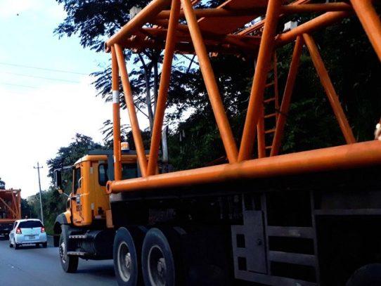"""ATTT restringe circulación a vehículos de carga """"sobredimensionada"""""""
