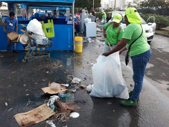 AAUD recolectó más de 230 toneladas de basura en la Cinta Costera tras Carnavales