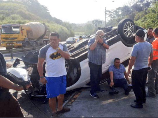 Concejal de San Miguelito sufre accidente de tránsito en el Puente Centenario