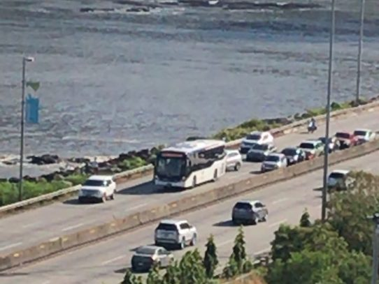 Incidente con  vehículo de Mi Bus en el Corredor Sur fue vandalismo