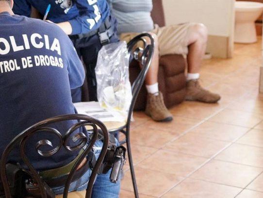 Un panameño, requerido por homicidio, es deportado de Costa Rica hacia Panamá