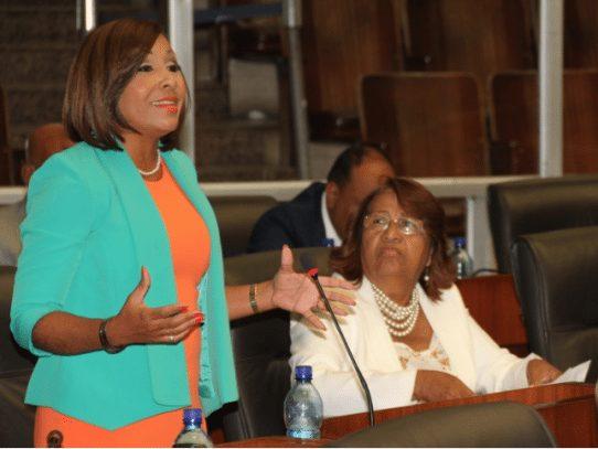 Presidenta de la Asamblea confirma pase de factura contra diputada suplente