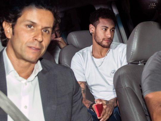 """""""Todo marcha bien"""", dice médico de Brasil sobre la recuperación de Neymar"""