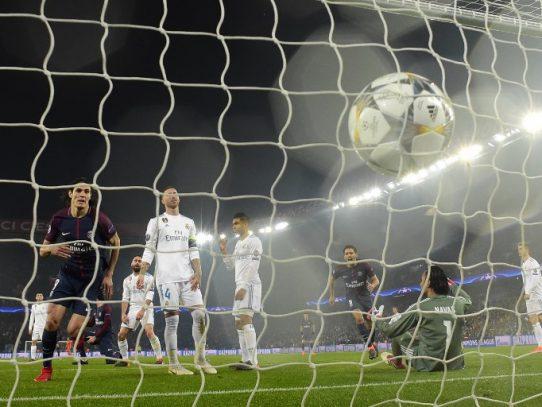 El Real Madrid hunde al multimillonario PSG camino de cuartos de la 'Champions'
