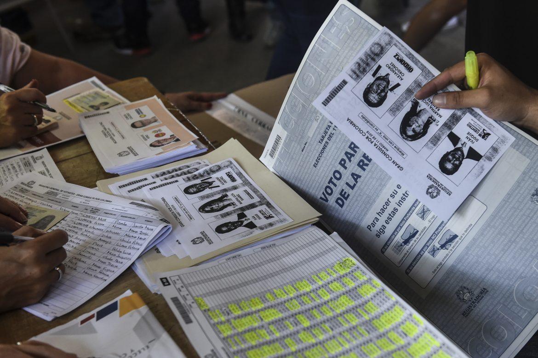 Colombia premia a la derecha y castiga a las FARC antes de las presidenciales