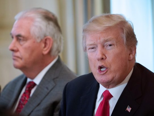Destituido Tillerson, Trump busca un equipo a su imagen