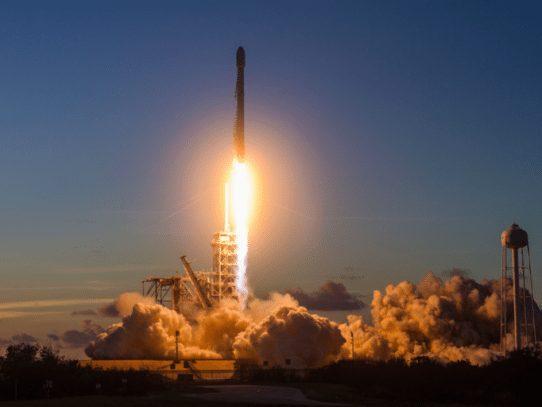 SpaceX, preparada para el 50° lanzamiento del cohete Falcon 9