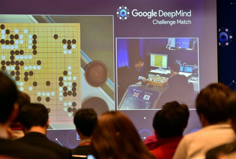 """El jefe de DeepMind admite que la inteligencia artificial conlleva """"riesgos"""""""