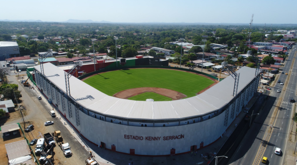 Batalla política en inauguración del nuevo estadio Kenny Serracín de David