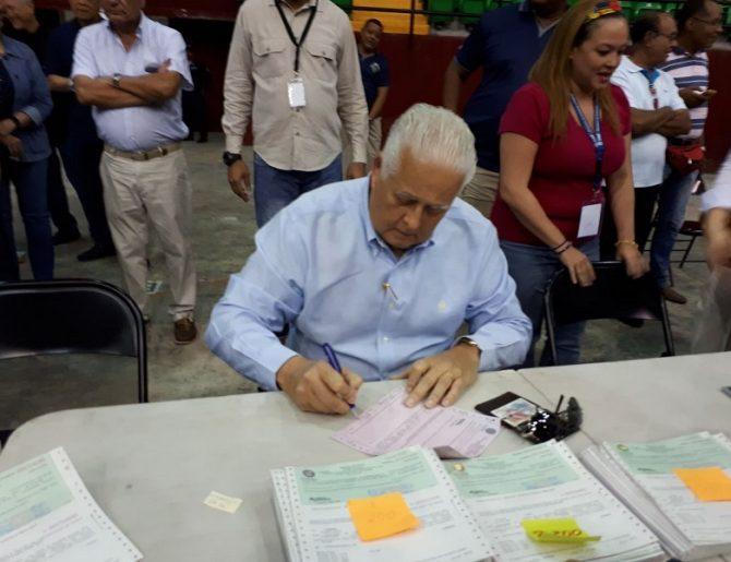 """Expresidente """"El Toro"""" Pérez Balladares se lleva su CEPADEM"""