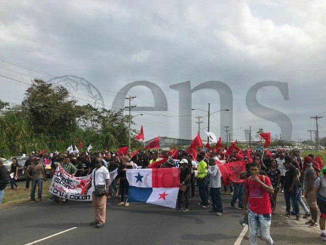 Colón amanece tenso, manifestaciones transcurren sin incidentes
