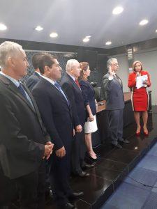Los diputados que integran la nueva Comisión de Credenciales escogieron su directiva. FOTO/ En Segundos