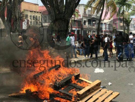 Videocrónica: Colón entre huelga, caminata y disturbio